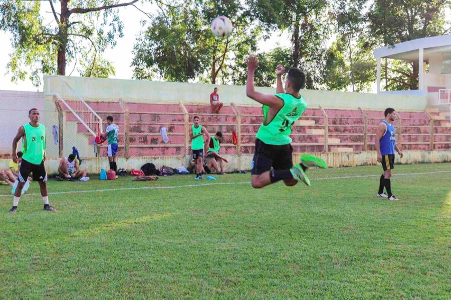 Jogadores da seleção de Caculé durante treinamento. Foto: ASCOM/Governo de Caculé (Arquivo).