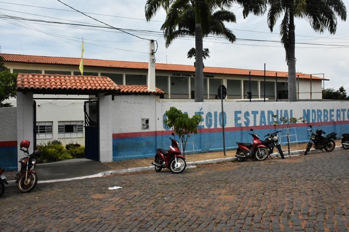 Estudantes convocados deverão se dirigir ao Colégio Estadual Norberto Fernandes para efetivarem a matrícula. Foto: Aloísio Costa @aloisiocostabombom