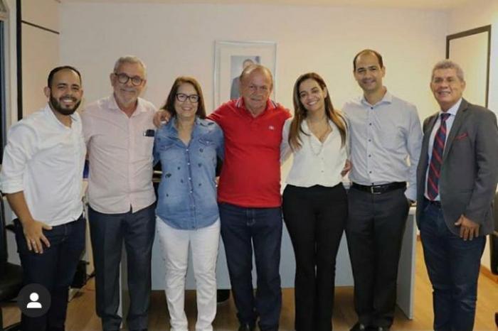 A reunião contou com a presença do pré-candidato a prefeito Pedro Dias e sua esposa, Inês; do advogado Dr. William Lima e do presidente da COOTRAF, Edgar Filho.