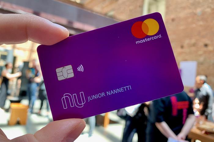 Número de contas do Nubank atinge a marca de 20 milhões; Entenda como funciona os Cartões Digitais