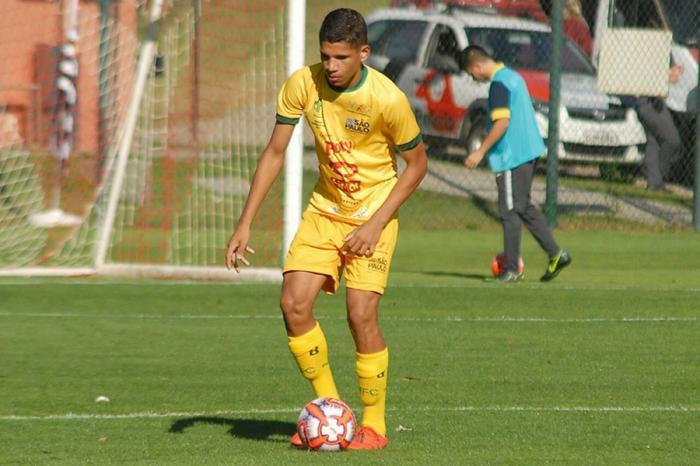 Aos 15 anos, Maykon Matos irá disputar o Paulista Sub-17 vestindo a camisa do Esporte Clube Primavera, de Indaiatuba.