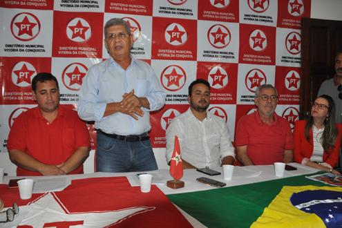 Com apoio do ex-prefeito Guilherme, deputado Waldenor, e em busca do PSB e PC do B, PT apresenta Zé Raimundo pré-candidato a prefeito de Conquista.