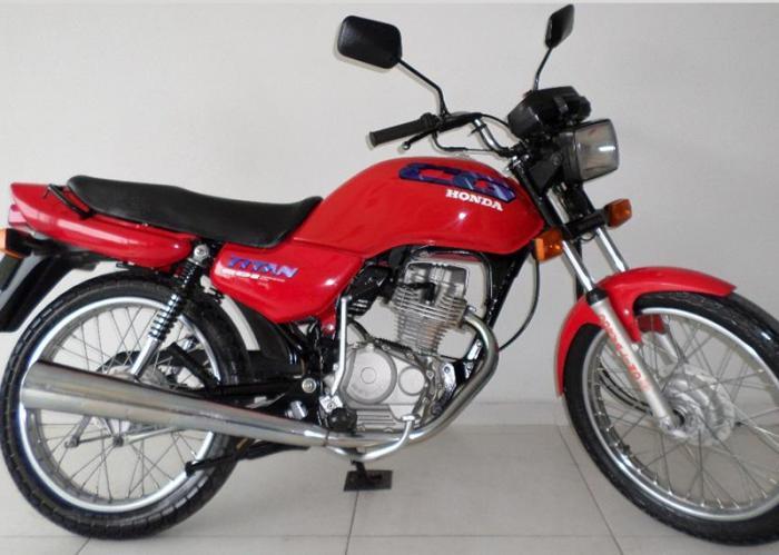 A moto furtada era um Titan CG 125 vermelha. Foto ilustrativa.