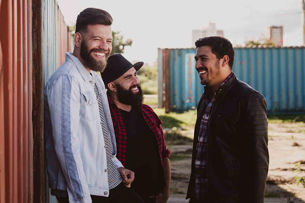 Idealizada pelo caculeense Iuri Dias, banda de rock cristão assina contrato com a Nova Fase Distribuição