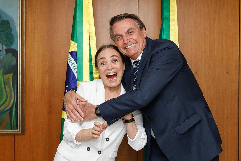 Regina Duarte deixa Secretaria de Cultura do governo e deve assumir a Cinemateca em São Paulo