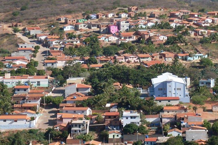 Com 42 casos confirmados da COVID-19 - proporcionalmente Urandi registra mais casos que Vitória da Conquista, maior cidade da região.