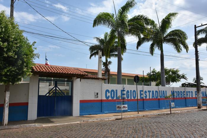 Em Caculé, apenas 18 alunos do Colégio Estadual Norberto Fernandes não retiraram o cartão do vale-alimentação. Foto: Aloísio Costa (Arquivo).