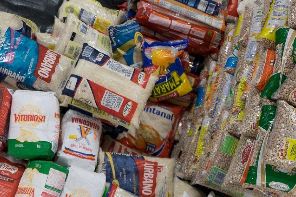 As doações poderão ser entregues nos supermercados parceiros e nas agências da CRESOL. Foto ilustrativa.