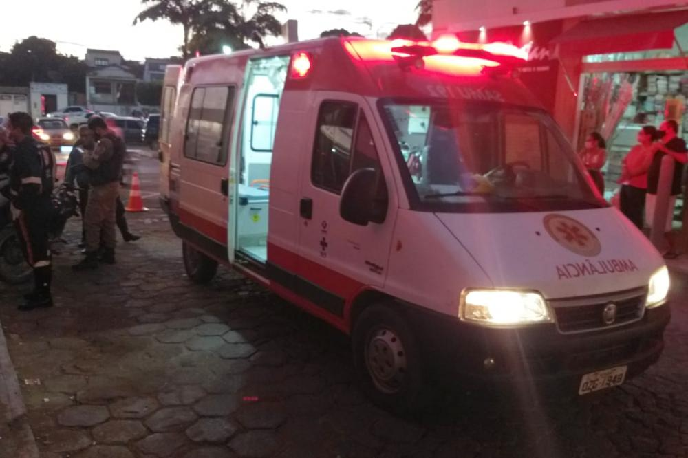 Caculé: Motociclista fica ferido após sofrer acidente em cruzamento no centro da cidade